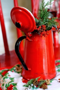red Christmas decorations for your kitchen